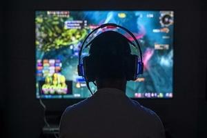 Thâm nhập thế giới ảo để giúp con cai game