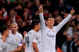 Ronaldo, Bale và Griezmann cạnh tranh cho cầu thủ xuất sắc nhất châu Âu của UEFA