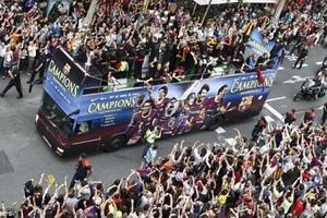Barcelona diễu hành mừng chiến thắng