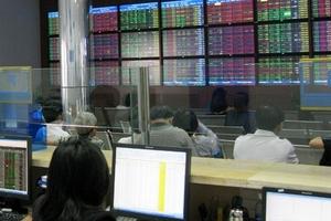 Nhà đầu tư tăng cường mua chứng khoán