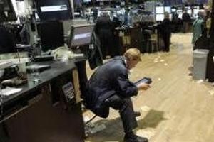 Chứng khoán toàn cầu đã mất gần 5.000 tỷ USD trong tháng 8