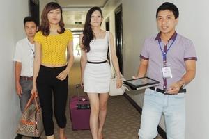 Thí sinh tham dự vòng chung kết Miss ITgo 2013 đến Hà Tĩnh