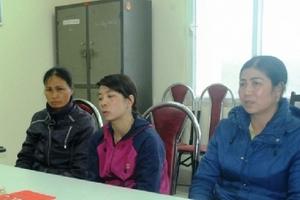 """Tạm giữ 3 phụ nữ """"chặt chém"""" du khách tại lễ hội Đền Hùng"""