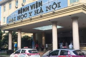 """Hà Nội: 6 bệnh viện lớn bị tố để taxi độc quyền """"chặt chém"""" người dân"""