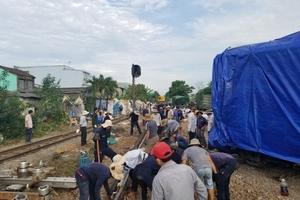 Đường sắt Bắc Nam thông tuyến trở lại sau vụ 2 tàu hoả tông nhau ở Quảng Nam