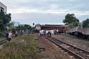 Vụ 2 tàu tông nhau ở Quảng Nam: Tạm đình chỉ 3 cán bộ ga Núi Thành