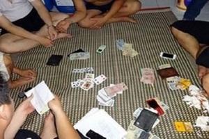 Bị cách chức vì đánh bạc, Bí thư phường được chuyển về làm chuyên viên