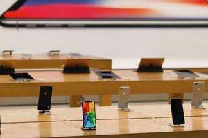 Điều gì khiến iPhone 9 bị trì hoãn phát hành đến tháng 11?