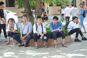 Phụ huynh và học sinh Hà Nội nói gì trước ngày thi?