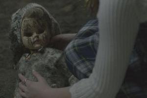 """Lạnh gáy trong thế giới đáng sợ của phim kinh dị """"Đứa trẻ bị nguyền"""""""