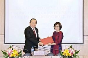 Phó Thủ tướng Trương Hòa Bình trao quyết định bổ nhiệm Thứ trưởng Bộ Tư pháp
