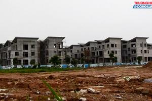 """Hàng loạt hài cốt """"phơi sương"""" tại Khai Sơn Hill Long Biên: Trách nhiệm thuộc về ai?"""