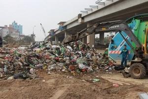 Vụ đổ rác thải ở Hà Nội: Chủ tịch quận yêu cầu Cty Minh Quân xin lỗi