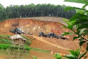 Hàng ngàn m3 đất bị khai thác dưới danh nghĩa 'nạo vét' ở Phú Thọ