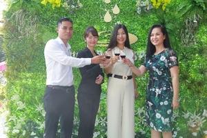 NSND Lan Hương rạng ngời trong lễ khai trương Nature Beauty Spa
