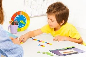 Trẻ chậm nói cần được can thiệp sớm