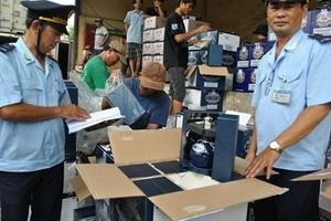 Lực lượng Hải quan bắt giữ gần 1000 vụ buôn lậu chỉ trong 1 tháng