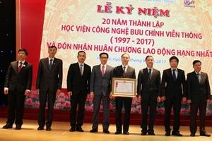 Học viện Công nghệ Bưu chính Viễn thông kỉ niệm 20 năm thành lập và đón nhận Huân chương lao động hạng Nhất