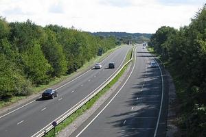 Vì sao đường bộ cao tốc Bắc - Nam chưa được Quốc hội xem xét?