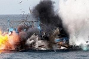 Máy tàu phát nổ, 5 ngư dân bị thương