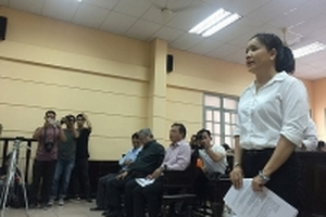 'Nóng' phiên tòa xử vụ Ngọc Trinh kiện Nhà hát Kịch TP HCM