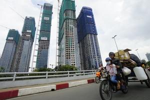 Tiền khủng đổ vào bất động sản