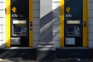 Ngân hàng lớn nhất Úc bị kiện