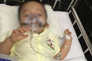 Bé trai hơn 1 tuổi nghi bị bạo hành: Con gái bị công an bắt, bà mới biết có cháu ngoại