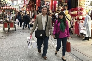 Người Việt 'nướng' bao nhiêu tiền ở nước ngoài?