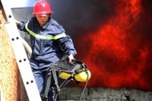 Một cảnh sát hy sinh trong lúc chữa cháy ở Sài Gòn