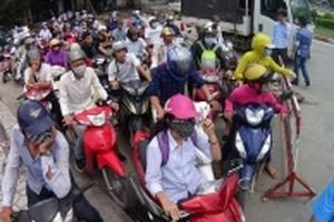 Cấm xe máy qua cầu Bãi Cháy để đảm bảo an toàn