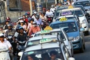 Khó cạnh tranh với Grab-Uber, taxi truyền thống xin gia tăng niên hạn
