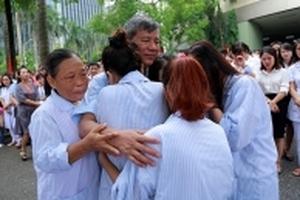 Những lý do khiến cả trăm người rơi nước mắt tiễn GS Nguyễn Anh Trí về hưu