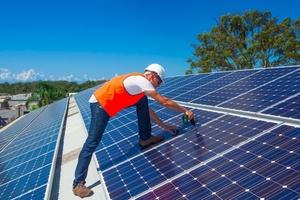 Thế giới đang chuyển mạnh sang điện mặt trời