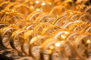 Giá vàng SJC hôm nay (27/10) đồng loạt giảm về ngưỡng 36 triệu đồng ở cả hai chiều mua - bán