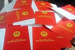 Ngưng hiệu lực quy định ghi tên thành viên gia đình trong sổ đỏ