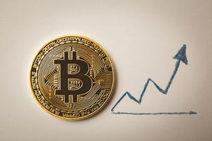 Giá bitcoin hôm nay (7/12): Vượt 13.900 USD