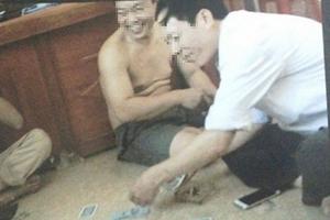 Thanh Hóa: 5 cán bộ xã đánh bài ăn tiền tại trụ sở bị phạt mỗi người 1,5 triệu đồng