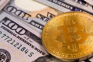Giá bitcoin hôm nay (30/1): đối mặt với loạt tin xấu