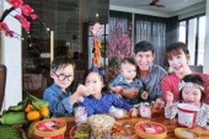 Sao Việt tích cực khoe ảnh gia đình ngày đầu xuân