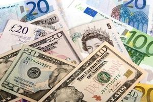 Tỷ giá USD hôm nay (21/3) tăng, giá dầu chạm đỉnh 3 tuần do căng thẳng tại Trung Đông tiếp tục nóng lên