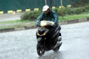 Dự báo thời tiết 5/4: Hà Nội mưa rào, giảm sốc 11 độ