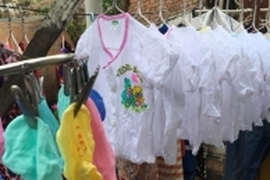Ông bố tập giặt quần áo cho con cả tháng trước khi vợ sinh