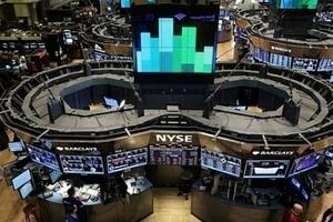 Thị trường chứng khoán Mỹ đỏ lửa do ảnh hưởng từ cổ phiếu Apple và lo ngại về lãi suất