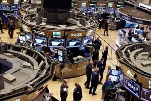 Thị trường chứng khoán Mỹ giảm điểm do lo ngại lãi suất tăng và dự báo của Caterpillar