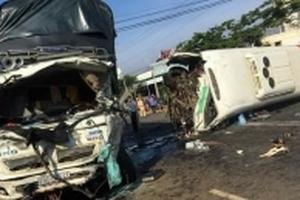 Lâm Đồng: Xe khách va chạm với xe tải, 11 người thương vong