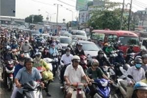 Cửa ngõ Sài Gòn kẹt xe kinh hoàng sau kỳ nghỉ lễ