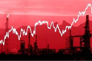 Những yếu tố nào đẩy giá dầu thô thế giới chạm đỉnh 4 năm?