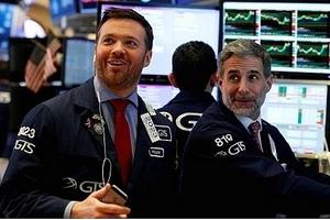 Chứng khoán Mỹ ngày 3/5: Dow Jones quay đầu đi lên sau khi giảm 400 điểm
