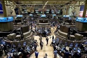 Chứng khoán Mỹ ngày 4/5: Dow Jones tăng hơn 330 điểm khi Apple lập kỉ lục, kéo nhóm công nghệ tăng cao